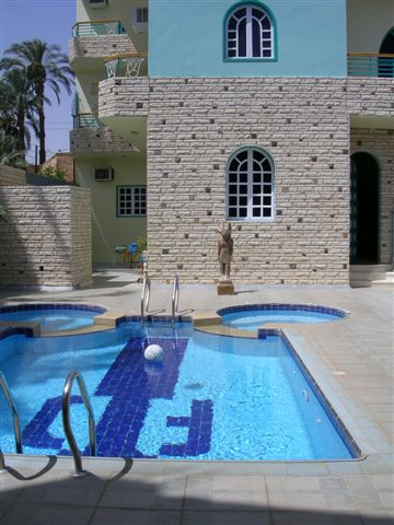 Al Gezera Village - West Bank - Pool und Jacuzzi